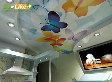 Тканевый потолок с фотопечатью в гостинной